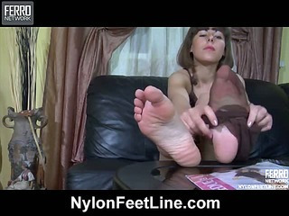 Viola nylon feet teaser
