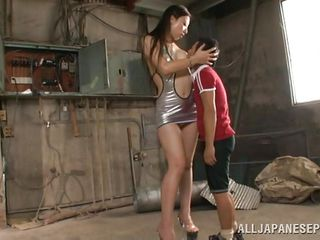 A small guy and a long legs whore. It sounds good and gets even better as the tall beauty Erika bends to reach the guy's dick and gives him a handjob. She has a superb booty under that skirt and a pair of sexy legs that probably will wrap around this guy's neck as he will lick her cunt. Let's watch what will happen