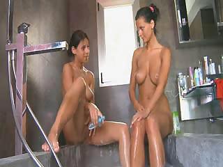 Ultra hot busty babes in a bath tube