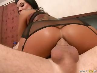 Gorgeous MILF Sienna West enjoys ass fucking
