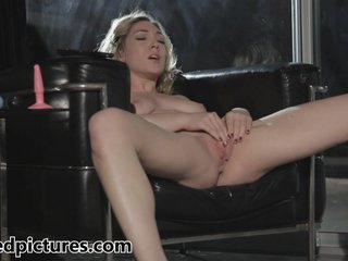 Lily Luvs shows how she loves to play with her pussy