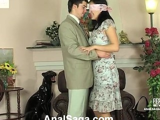 Blindfold sweetheart in silky nylons throwing her tasty butt on palpitating pecker