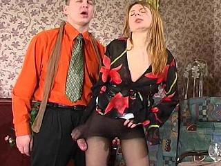Sultry hottie seduces a guy with newly bought tights in advance of sexy pantyhosejob