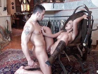 This blonde slut surely like to feel that a cock is fucking her in the ass. A hormy male with big penis is fucking her deep and hard in the ass and the slut enjoy this fuck. She now start suck this big dick and after that she will ride the cock in search for the supreme orgasm.