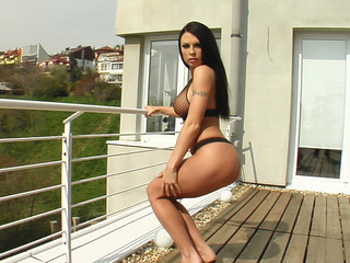 Sonya is a stunning looking female. This Babe is close to flawless. Her wet crack is an amazing unfathomable pink and has a great shape. That Babe masturbates with a glass toy.