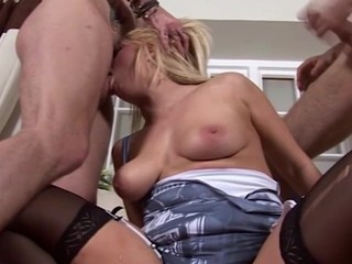 Bonnie rose tells us about her love of starwars and her love of porn! This Babe is a nerdy little slattern and copulates two guys convenient the same time double penetration to show how vehement this babe is.