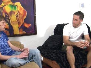 Mark hammer satisfies the hawt craving of Corey jakobs
