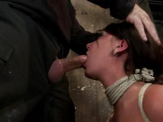 Bound Cassandra Nix chokes on a stiff skin flute