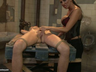 Mandy Bright tie a hot babe with rope on the table
