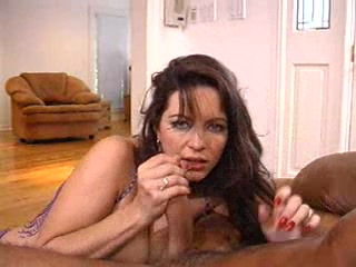Chesty cougar Taylor St Claire wraps her fingers around a lucky prick