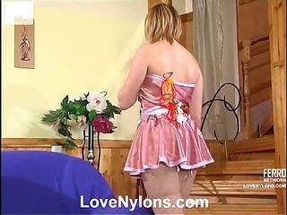 Isabella&Bertram nasty nylon video