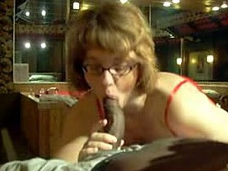 a chubby spects wearing gal giving a nice and hot bj and making her guy cum. a nice long bj with slurping balls and rinsing last drop of cum