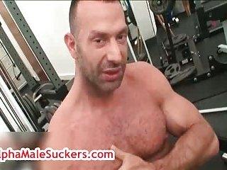 Mature hunk Antonio Cavalli masturbating