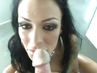 Blistering Angelina Valentine slurps on this dick