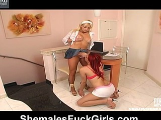 Upskirt cutie luring redhead shemale into jock-stiffening banging on table